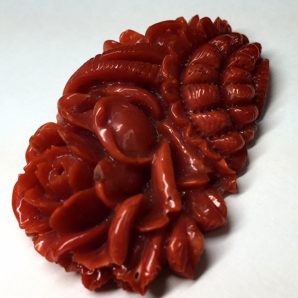 彫刻血赤本珊瑚 36.438ct