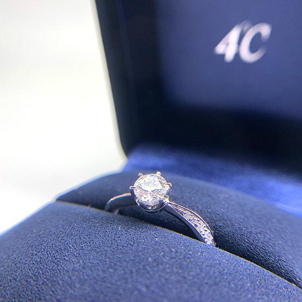 4℃ ダイヤモンドリング(ケース・保証書付き)