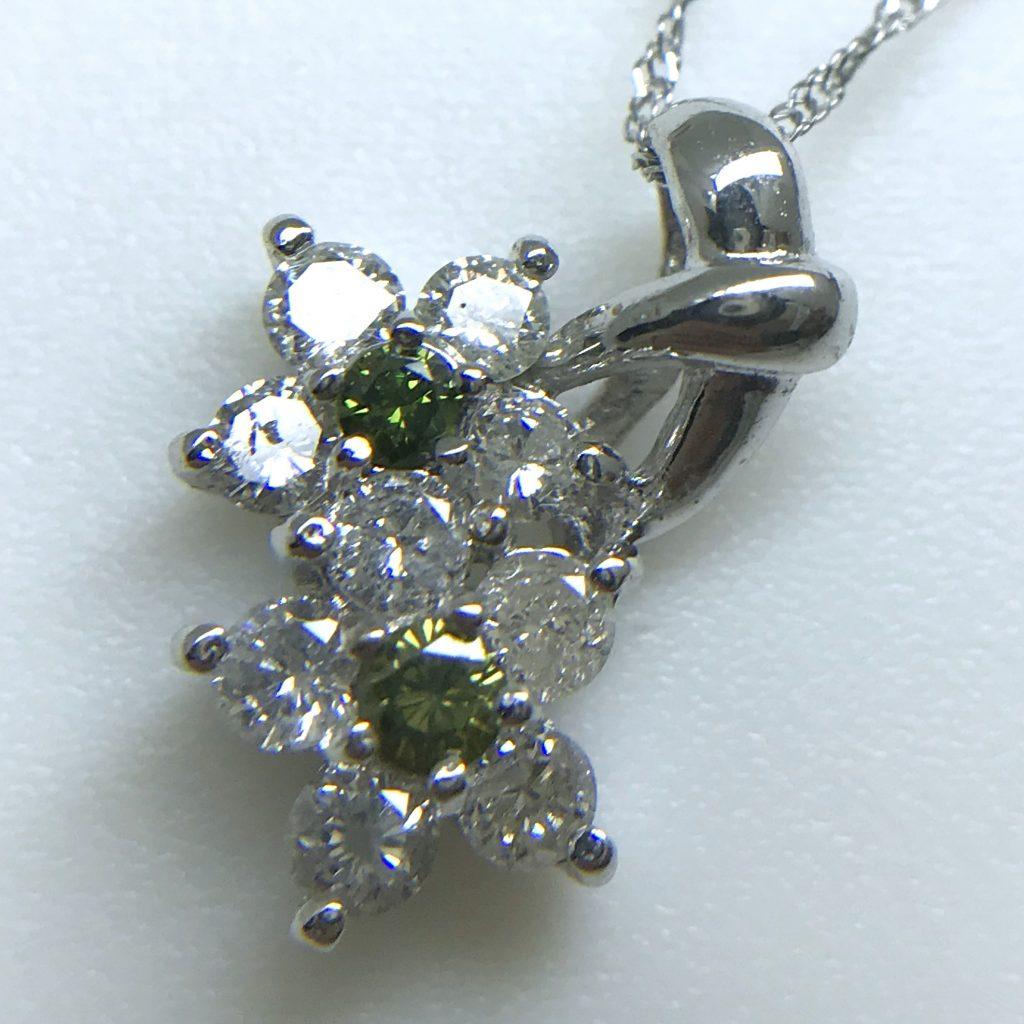 K18WGダイヤモンドペンダント0.53ct