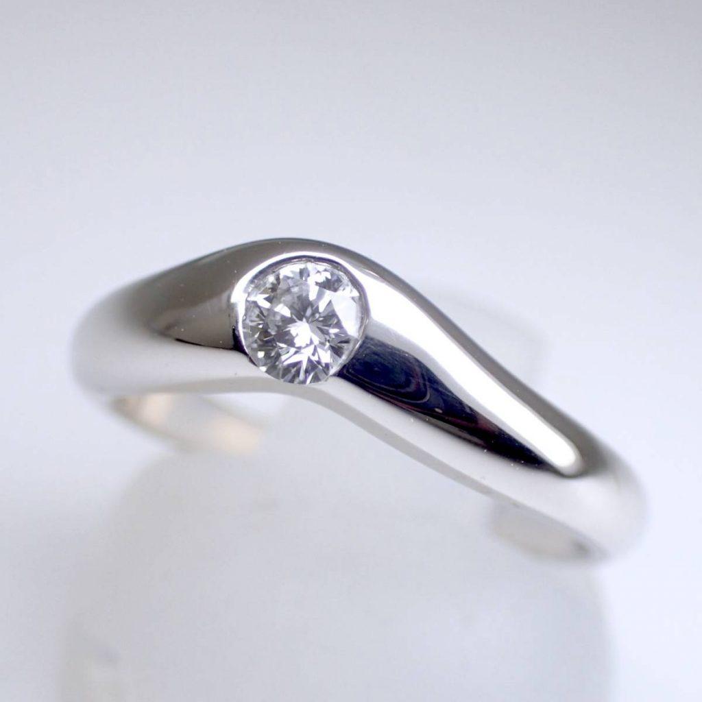 TIFFANY(ティファニー) ダイヤモンド カーブドバンドリング 0.2ct