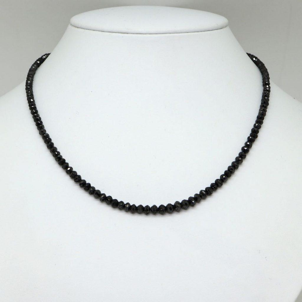 天然ブラックダイヤモンドネックレス 50.00ct